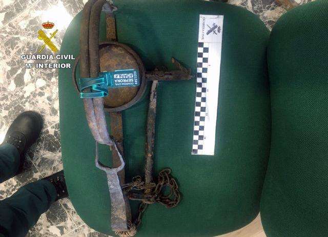 La Guardia Civil investiga a dos vecinos de Ricote por la presunta colocación de un cepo que causó lesiones a un perro y a su dueña - 2, Foto 2