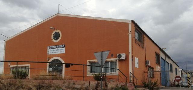 Estado de abandono del Centro Municipal de Formación y Empleo de Las Torres de Cotillas - 1, Foto 1