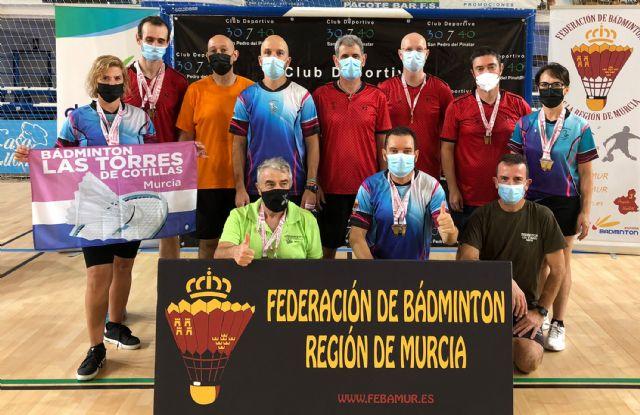 El Bádminton Las Torres logra 21 oros y 5 platas en el campeonato regional sénior - 1, Foto 1