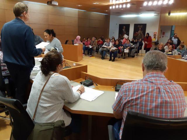 Comienza el primer turno del Programa de Fomento de Empleo Agrario en Totana, con la contrataci�n inicial de 66 desempleados del 1 de noviembre al 31 de enero, Foto 2