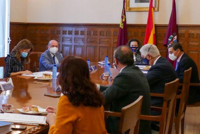 La comisión Puerto-Ciudad analiza el reparto de 100.000 euros en subvenciones a instituciones sin ánimo de lucro cartageneras - 1, Foto 1
