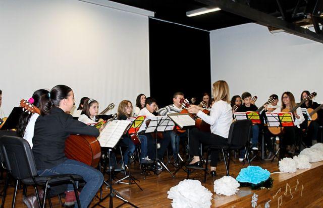 Fiesta en la Escuela Municipal de Música que cumple 20 años desde su creación en 1996 - 2, Foto 2