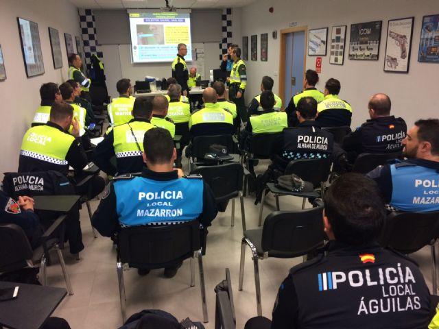 Más de 35 agentes de la Policía Local de diferentes municipios del Guadalentín finalizan el curso sobre delitos contra la seguridad vial y detección de drogas, estupefacientes y sustancias psicotrópicas en los conductores - 2, Foto 2