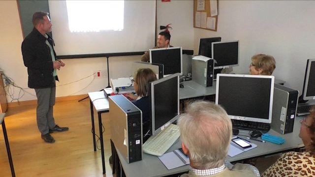 Mayores de Torre Pacheco descubren las Nuevas Tecnologías - 4, Foto 4