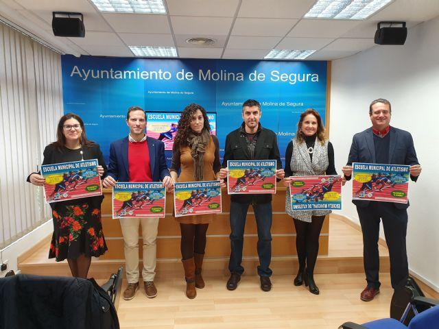 Molina pone en marcha la Escuela Municipal de Atletismo en el Polideportivo El Romeral - 1, Foto 1