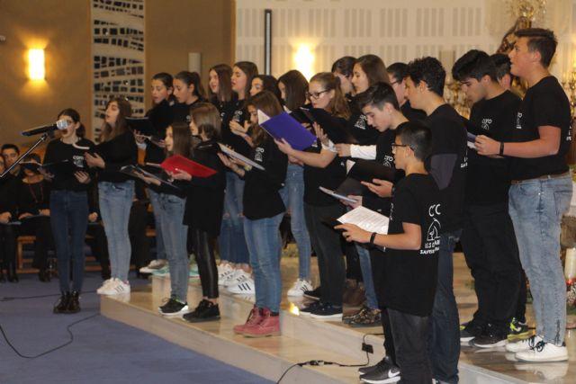 Patnia y el coro del IES Dos Mares ofrecen un concierto de Navidad en la iglesia de la Santísima Trinidad - 1, Foto 1