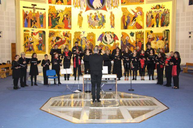 Patnia y el coro del IES Dos Mares ofrecen un concierto de Navidad en la iglesia de la Santísima Trinidad - 2, Foto 2
