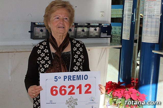 """The Lottery Administration """"Doña Petra"""" sells part of a fifth prize of the Christmas Lottery, Foto 2"""