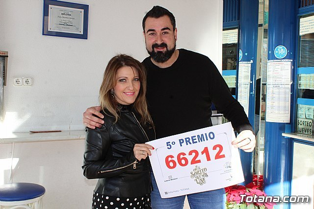 """The Lottery Administration """"Doña Petra"""" sells part of a fifth prize of the Christmas Lottery, Foto 3"""