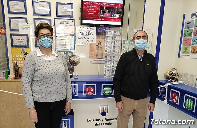 [Totana sells part of a fifth prize of the Christmas Lottery