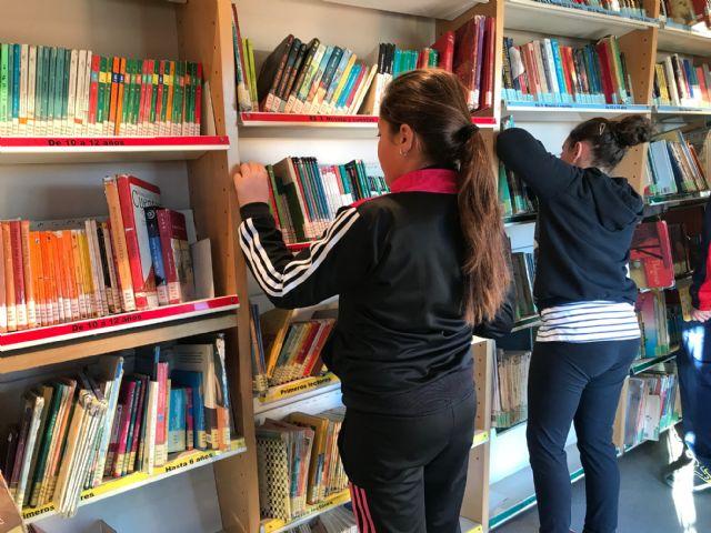 El Bibliobus llega a los colegios con el objetivo de extender la lectura pública por toda nuestra Región - 2, Foto 2