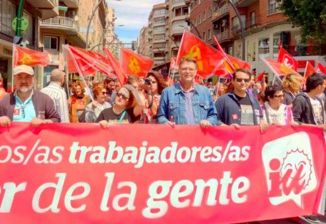 IU-Verdes saluda el primer gran acuerdo del Gobierno que sube el salario mínimo a 950 euros - 1, Foto 1