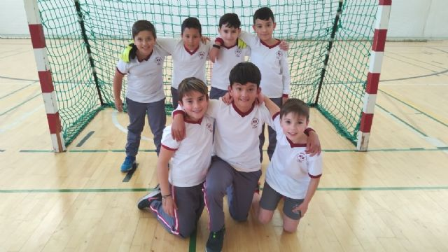 End of the Local Phase of Multisport and Soccer School Sports Hall, with the delivery of trophies, Foto 6
