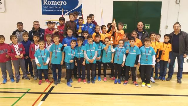 End of the Local Phase of Multisport and Soccer School Sports Hall, with the delivery of trophies, Foto 9