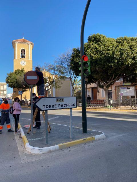 Nueva señalización de tráfico en el municipio - 3, Foto 3