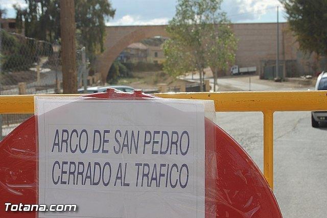 Se restringe el acceso de peatones y vehículos a las inmediaciones de la zona del Arco de San Pedro - 1, Foto 1