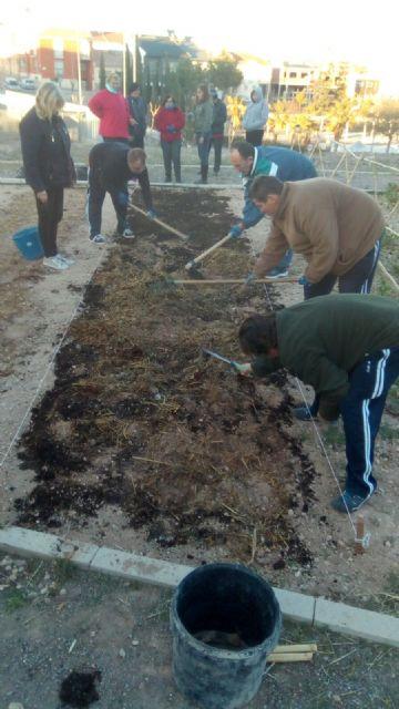 El Colectivo El Candil desarrolla en Totana diversas acciones para la inserción laboral de personas en situación de vulnerabilidad social, Foto 1