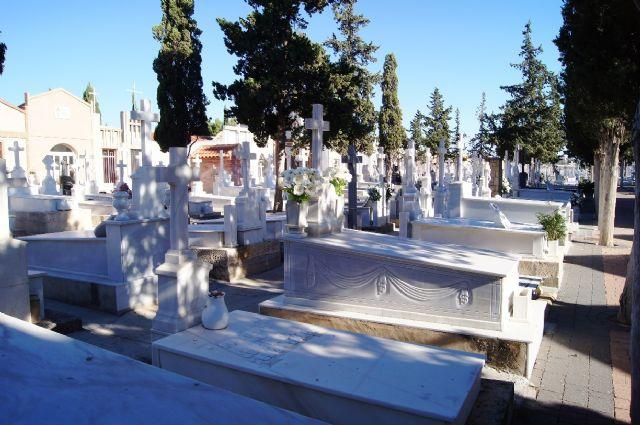 Se prorroga por un año el contrato del servicio de mantenimiento del Cementerio Municipal Nuestra Señora del Carmen, Foto 3