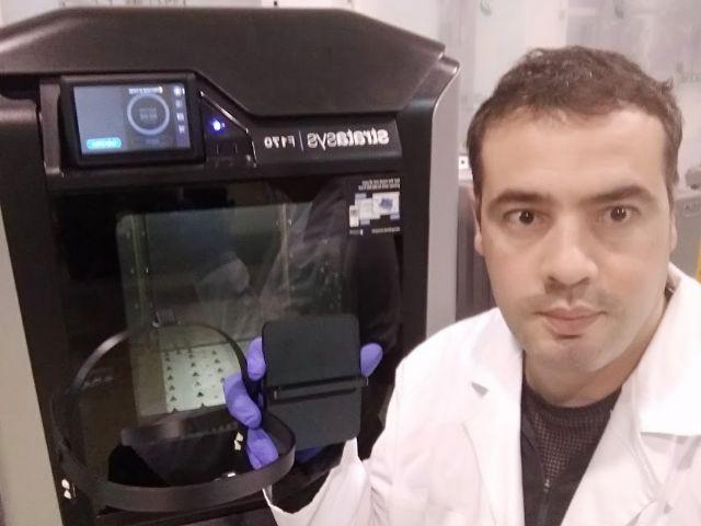 La Universidad de Murcia entrega al SMS viseras de protección facial fabricadas con impresoras 3D - 1, Foto 1