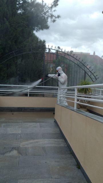 El Ayuntamiento de Molina de Segura y Sercomosa  llevan a cabo labores de desinfección en residencias de personas mayores para prevenir la expansión del COVID-19 - 2, Foto 2