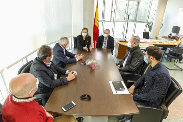 Isabel Franco se reúne con los representantes de las asociaciones de residencias de mayores de la Región de Murcia - 1, Foto 1