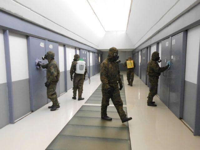 Cinco unidades de la Legión desinfectan todas las dependencias del Centro Penitenciario Murcia II - 3, Foto 3