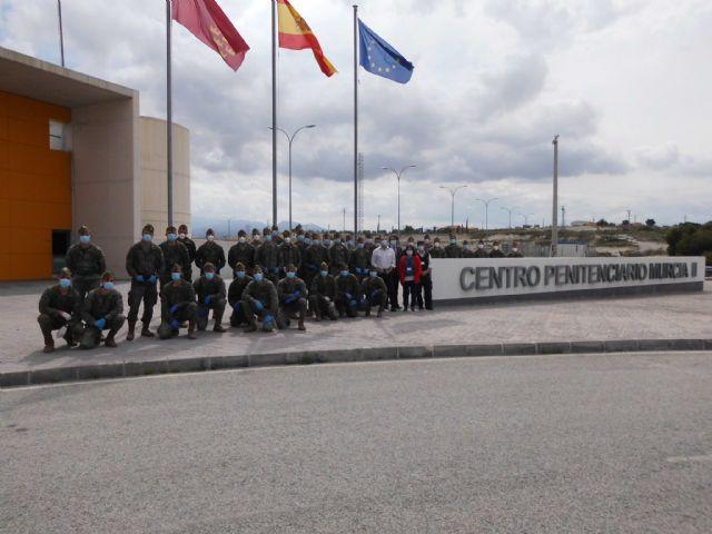 Cinco unidades de la Legión desinfectan todas las dependencias del Centro Penitenciario Murcia II - 4, Foto 4
