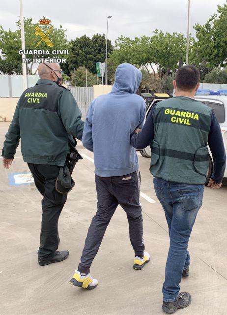 La Guardia Civil detiene al presunto autor de los daños ocasionados en dos cajeros de una sucursal bancaria - 3, Foto 3