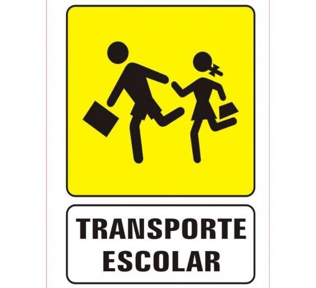 Este lunes se abre el plazo de solicitud de ayudas al transporte escolar para los alumnos del IES Los Albares - 1, Foto 1