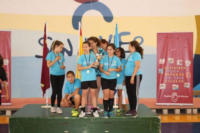 The School La Cruz was proclaimed regional champion of the Alevín Femenino Futsal for School Sports