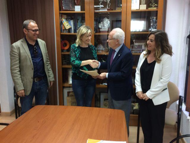 El Ayuntamiento de Molina de Segura firma un convenio de colaboración con Proyecto Hombre para un proyecto de atención a personas con problemas de adicción - 2, Foto 2