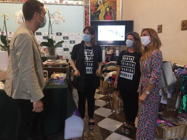 La ´Santa Eulalia Fashion Market´ recauda más de 4.000 euros con la venta solidaria de más de 1.000 kilos de ropa - 1, Foto 1