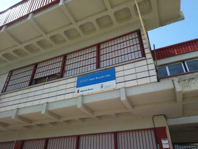 El colegio Santa Rosa de Lima de El Palmar se prepara para el inicio de curso con la reparación y reforma de algunos de sus elementos y estancias - 2, Foto 2