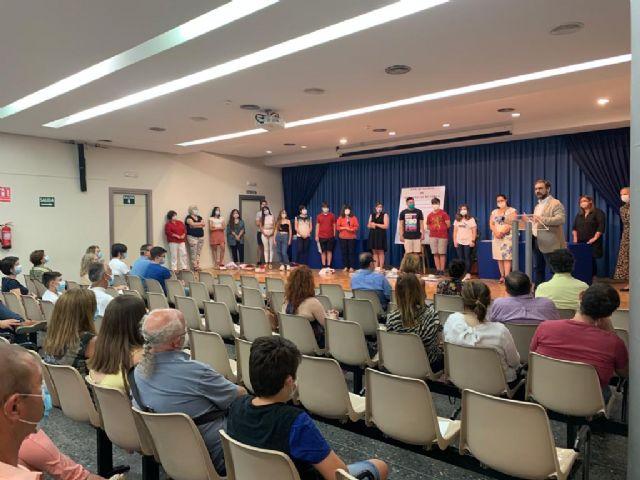 El alcalde entrega los galardones del duodécimo Certamen de Narración 'Premios Ángeles Pascual' organizado por la Red Municipal de Bibliotecas de Lorca - 3, Foto 3