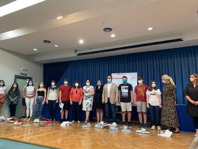 El alcalde entrega los galardones del duodécimo Certamen de Narración 'Premios Ángeles Pascual' organizado por la Red Municipal de Bibliotecas de Lorca - 4, Foto 4