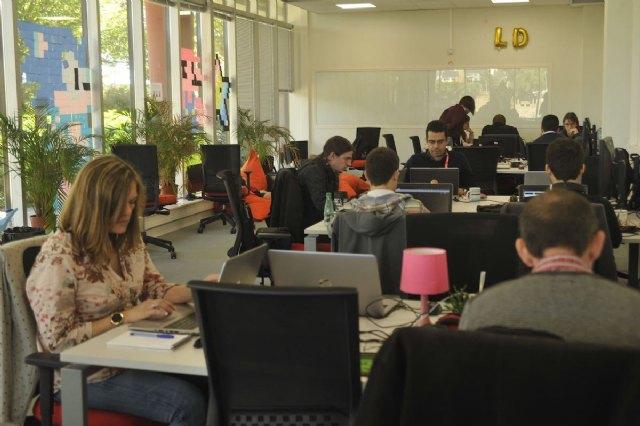 El sector tecnológico requiere de más de 300.000 profesionales en España - 1, Foto 1