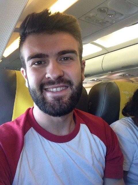 El joven enfermero totanero Antonio Cayuela ayuda a salvar la vida de una pasajera en un vuelo desde Edimburgo, Foto 1