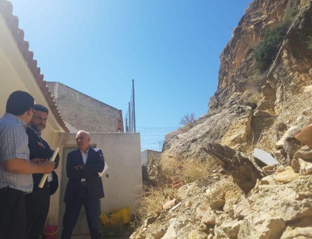 El PSOE exige actuaciones urgentes para proteger a las familias de Ojós, cuyas viviendas están amenazadas por desprendimientos de rocas y humedales - 3, Foto 3