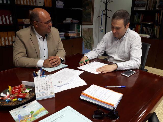 El alcalde se reunió con el Director General de Agua tratando la mejora de caminos y las obras del Plan de Regadíos - 1, Foto 1