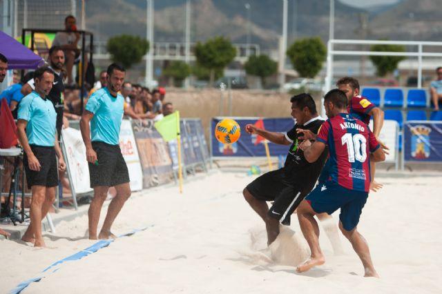 Subcampeonato para el bala azul en la fase final de la liga nacional de fútbol playa celebrada en Mazarrón, Foto 2