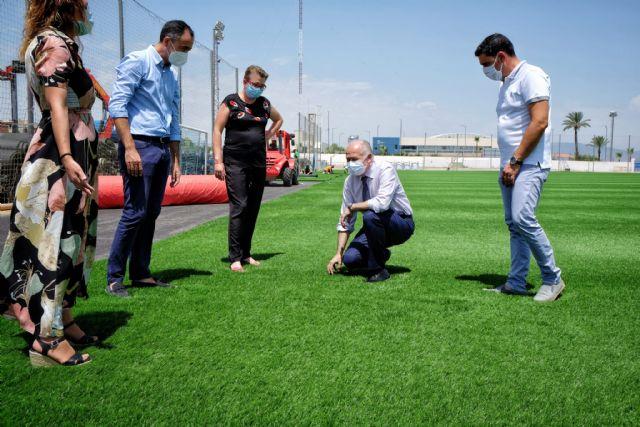 Comienza la renovación del césped del campo de fútbol municipal Onofre Fernández Verdú - 3, Foto 3