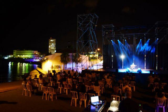 Juan Perro emociona en una noche mágica estrenando con gran éxito el nuevo mirador de Bahía, Foto 2