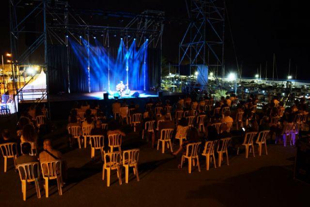 Juan Perro emociona en una noche mágica estrenando con gran éxito el nuevo mirador de Bahía, Foto 4