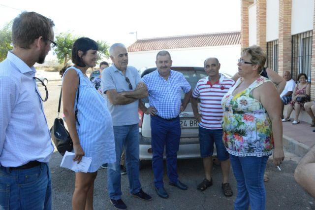 Mar�a Gonz�lez Veracruz se re�ne con los agricultores afectados por los expedientes de regad�o del Raiguero, Foto 3
