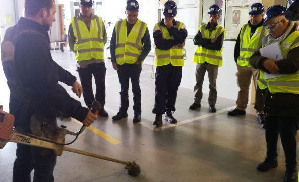 Los alumnos del Curso-Certificado de Profesionalidad Limpieza de espacios abiertos en instalaciones industriales realizan ya prácticas profesionales no laborales en empresas del sector, Foto 2