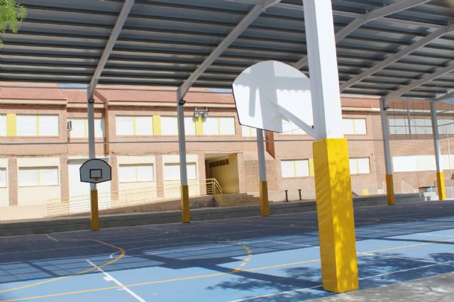 """The educational community of CEIP """"San José"""" can now enjoy the facilities of the new sports court this 2019/20 school year, Foto 2"""