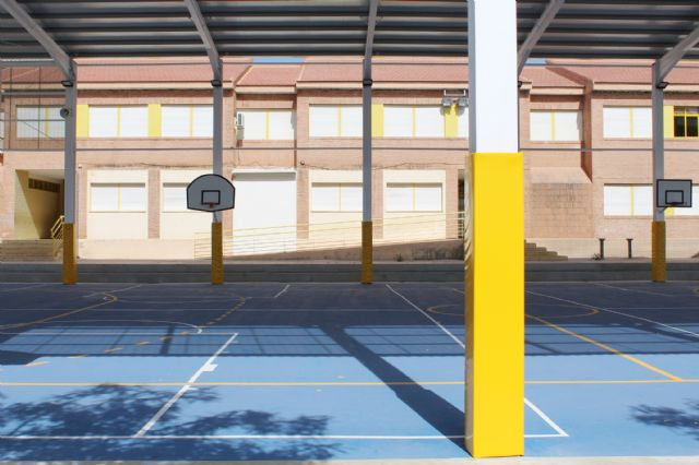 """The educational community of CEIP """"San José"""" can now enjoy the facilities of the new sports court this 2019/20 school year, Foto 3"""