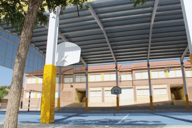 """The educational community of CEIP """"San José"""" can now enjoy the facilities of the new sports court this 2019/20 school year, Foto 5"""