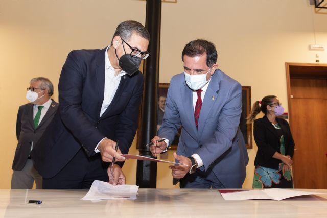 La UMU y el Ayuntamiento de Murcia se unen para crear la Cátedra de Agenda Urbana y Desarrollo Estratégico Local - 1, Foto 1