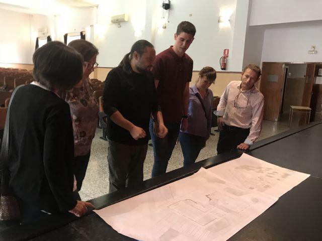 L+A arquitectos & The Pink Panther Collective, equipo ganador del Concurso de Ideas para la Rehabilitación Integral del Centro Cívico de Roldán, visitan el edificio para adecuar el proyecto a las instalaciones - 1, Foto 1